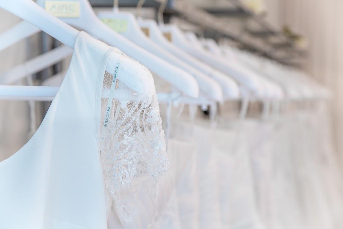 Book tid hos Copenhagen Bridal til prøvning af brudekjoler