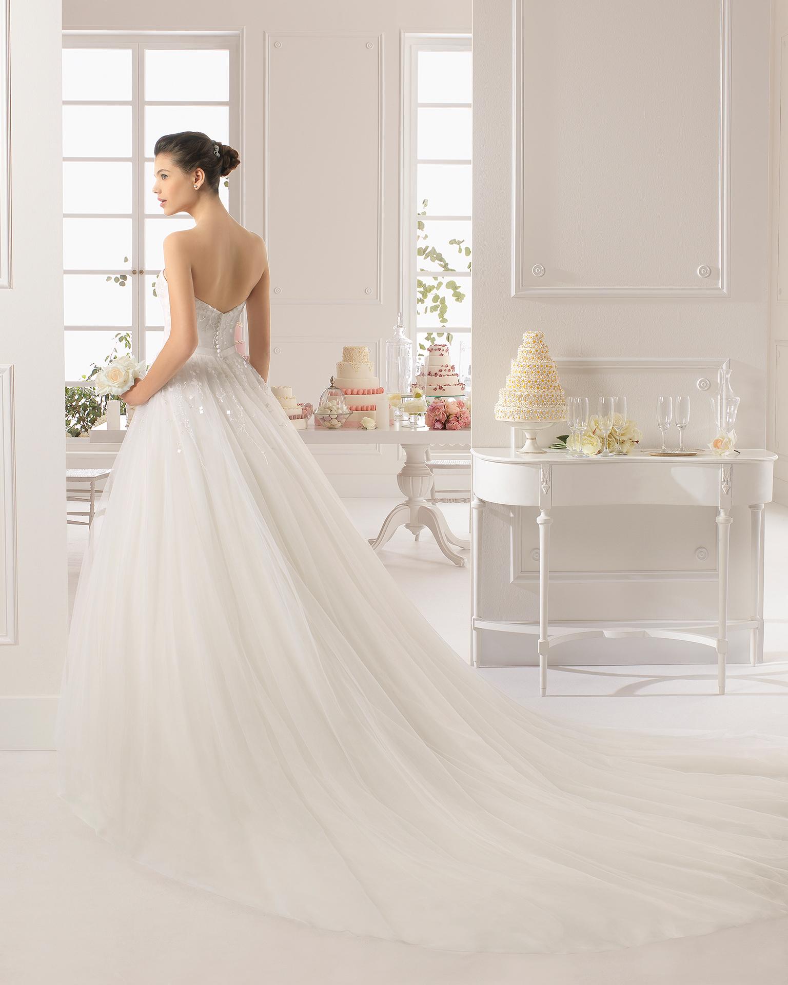 brudekjoler med langt slæb