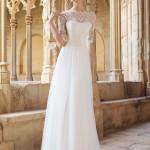 Brudekjole Monaco med skøn blondetop med ærmer samt skørt dækket med blæd silketyl.