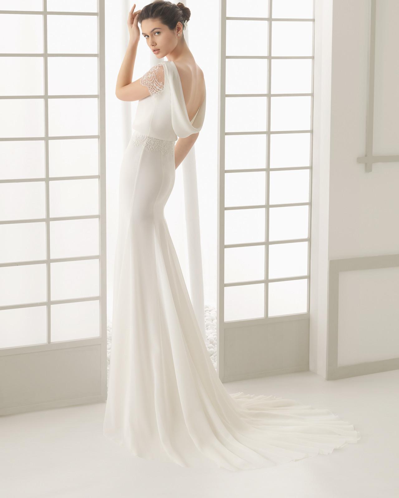 17032c24 Brudekjole Divan i chiffon med lille blondeærme