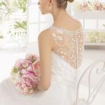 Brudekjole Magali med skønne blonder og stofknapper