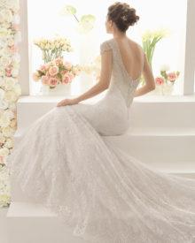 Cabal med den smukkeste dybe ryg med flotte perler