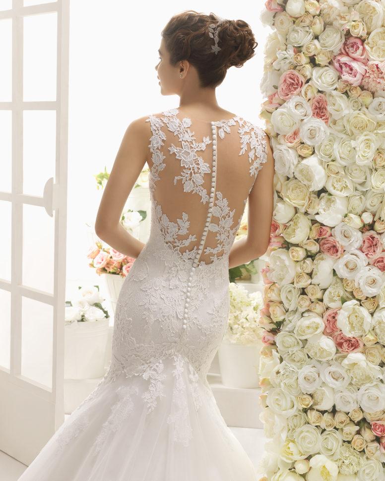Brudekjoler 2017 - Castiel med skøn blonderyg med knaplukning