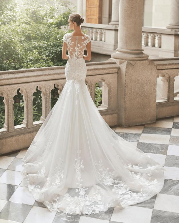 Brudekjoler 2022 Daros med smuk blonde ryg samt slæb