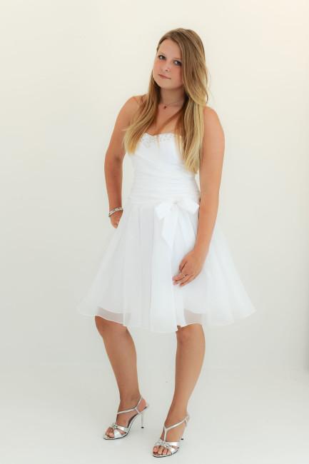 Konfirmationskjoler Soft - 1201 i draperet taft med perler