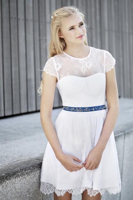 Konfirmationskjoler 2016 White Sunday - Sia kan kombineres med forskellige farver satinbånd.